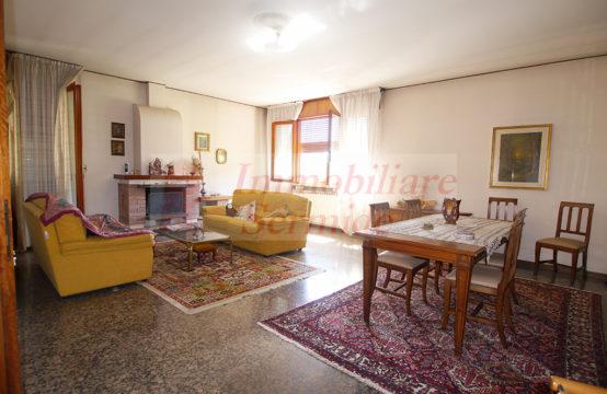Villa Padronale in Felonica